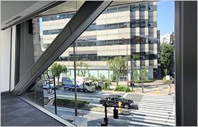 関東支社ビルの外観写真